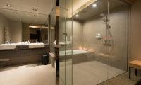 Aspect Niseko En-Suite Bathroom with Bathtub | Middle Hirafu Village