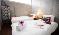 Full Circle Bedroom with Twin Beds | Middle Hirafu