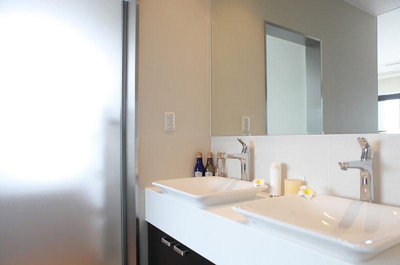 Hirafu 188 Apartments Bathroom with Dual Sink | Upper Hirafu