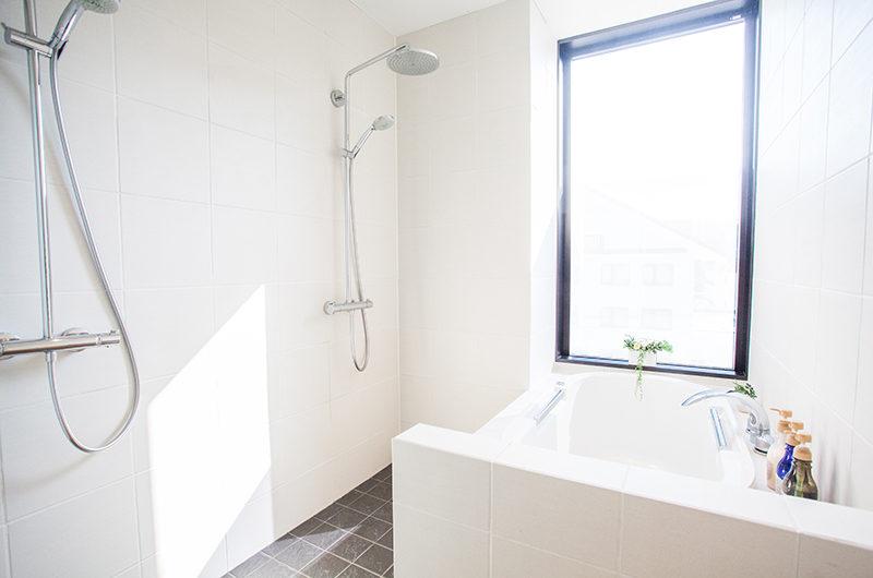 Hirafu 188 Apartments Bathroom with Shower | Upper Hirafu