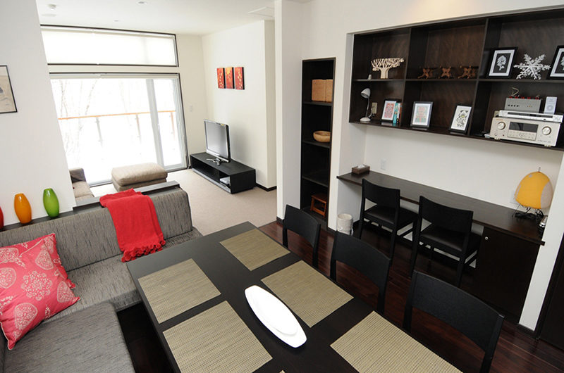 Neyuki Townhouses Living and Dining Area | Middle Hirafu
