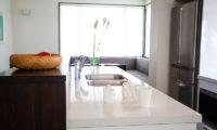 Neyuki Townhouses Kitchen with Utensils | Middle Hirafu