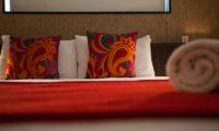 Neyuki Townhouses Cushions | Middle Hirafu