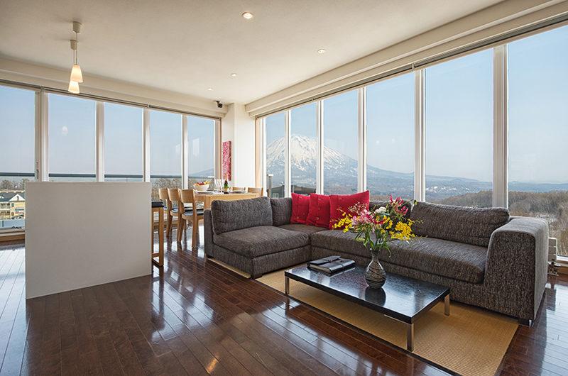 Snow Crystal Living Area with Wooden Floor | Upper Hirafu