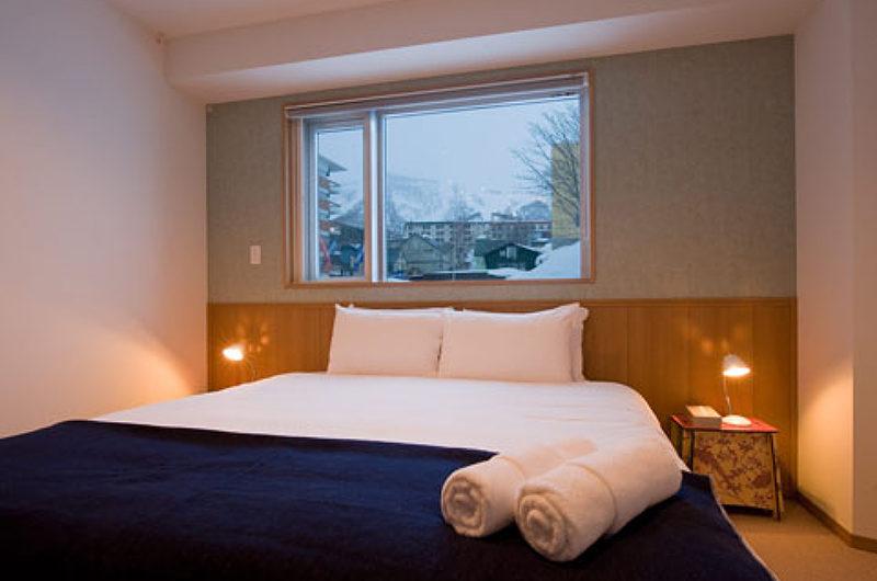 Snow Crystal Bedroom with Window | Upper Hirafu
