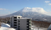 Snow Crystal Outdoor Area with Mountain View | Upper Hirafu