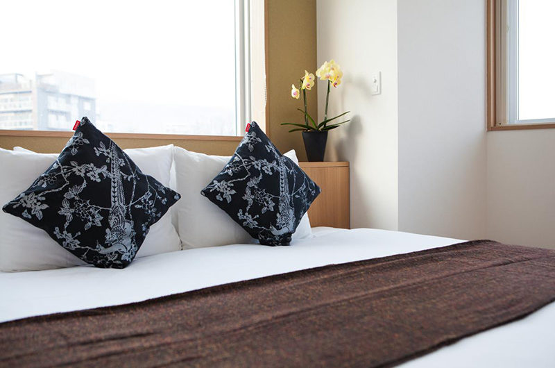 Snow Crystal Bed | Upper Hirafu