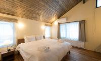 Tahoe Lodge Bedroom with Wooden Floor   East Hirafu