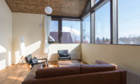 Tahoe Lodge Lounge Room with Outdoor View | East Hirafu