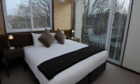 Tamo Bedroom with Outdoor View | Middle Hirafu