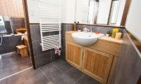 Tamo Bathroom | Middle Hirafu