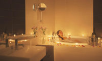 The Freshwater Romantic Bathtub Set Up | Middle Hirafu