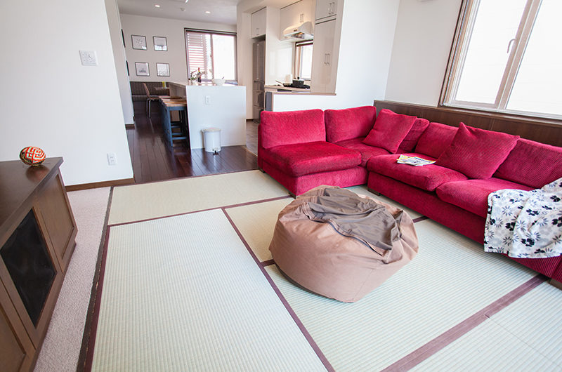 Toshokan Townhouses Lounge Area with Bean Bag | Middle Hirafu