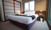 Toshokan Townhouses Bedroom with Carpet | Middle Hirafu