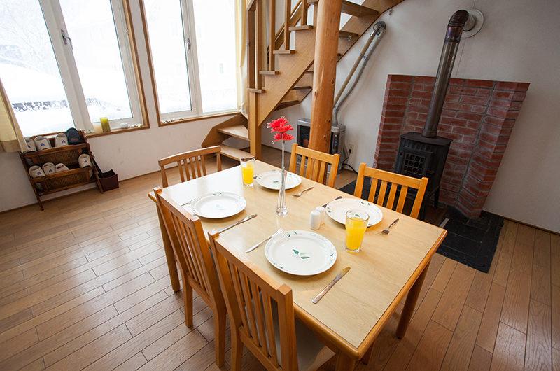 Yotei Cottage Dining Area | Lower Hirafu