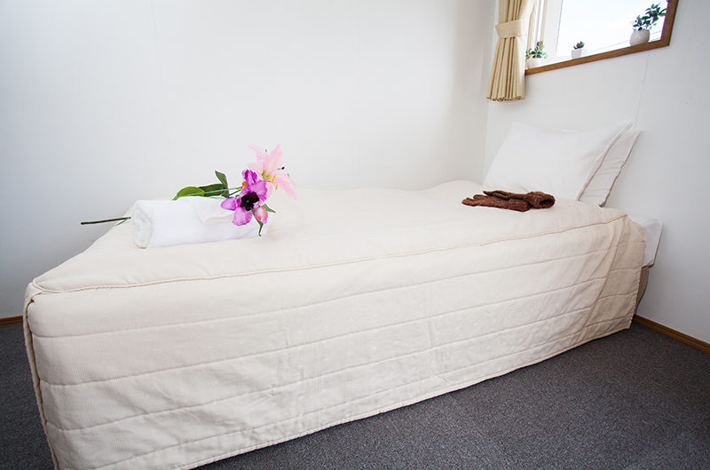 Yotei Cottage Bedroom with Carpet | Lower Hirafu