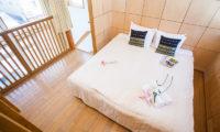 Yotei Cottage Bedroom with Wooden Floor | Lower Hirafu