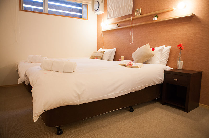 Yuki Yama Apartments Bedroom | Middle Hirafu