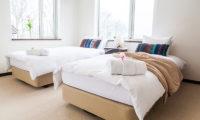 Yukisawa House Twin Bedroom with Carpet | Lower Hirafu