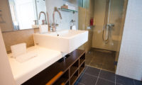 Yume Basho Bathroom with Shower | Lower Hirafu