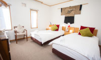 Yume House Twin Bedroom with Carpet | Middle Hirafu