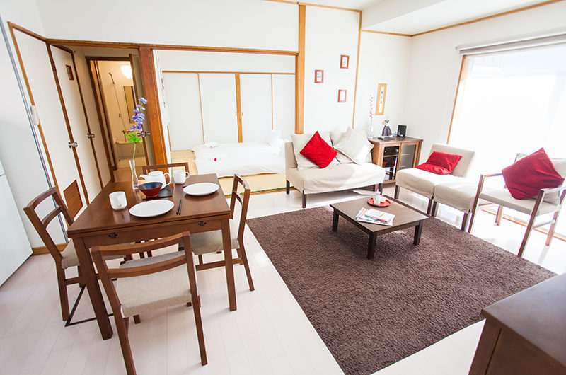 Yume House Living and Dining Area | Middle Hirafu