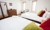 Yume House Twin Bedroom | Middle Hirafu