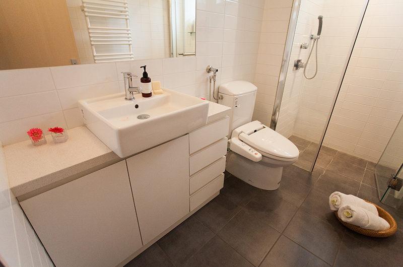 Yutaka Townhouses Bathroom with Shower | Middle Hirafu