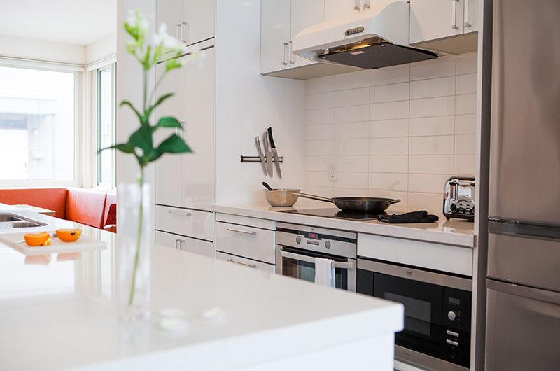 Yutaka Townhouses Kitchen with Utensils | Middle Hirafu
