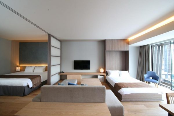 Aya Niseko One Bedroom Bedroom with Extra Bed and TV | Upper Hirafu