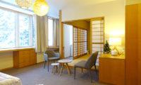 Ebina Chalet and Lodge Seating Area | Moiwa