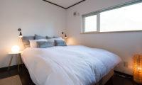 Kuma Cabin Bedroom with Wooden Floor | Lower Hirafu
