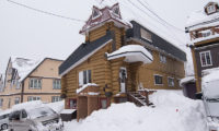 Lodge Bamboo B&B Outdoor Area with Snow | Middle Hirafu