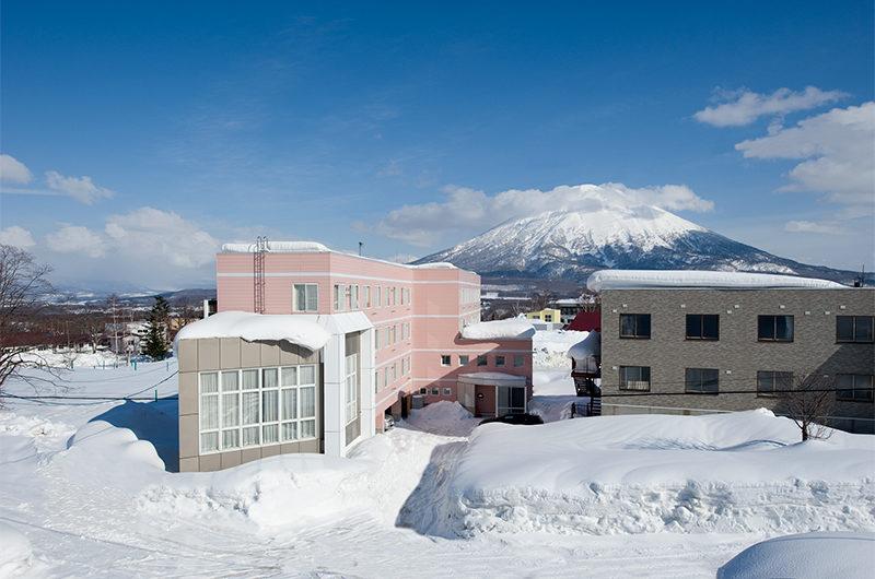 Owashi Lodge Outdoor View | Upper Hirafu