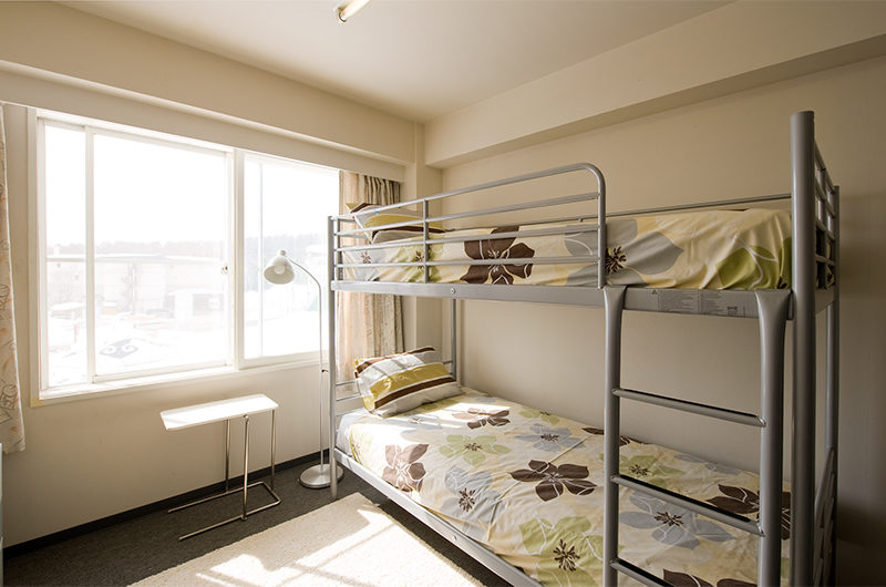 Owashi Lodge Bunk Beds with Window | Upper Hirafu