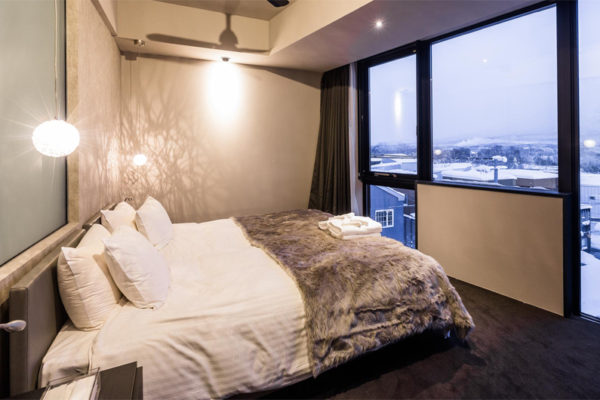 Haven Niseko Bedroom with Table Lamp | Middle Hirafu