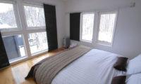 Peak Bedroom with Outdoor View | Lower Hirafu