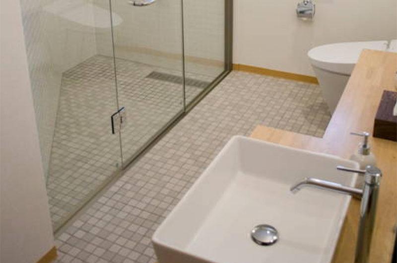 The Owl House Bathroom   Lower Hirafu