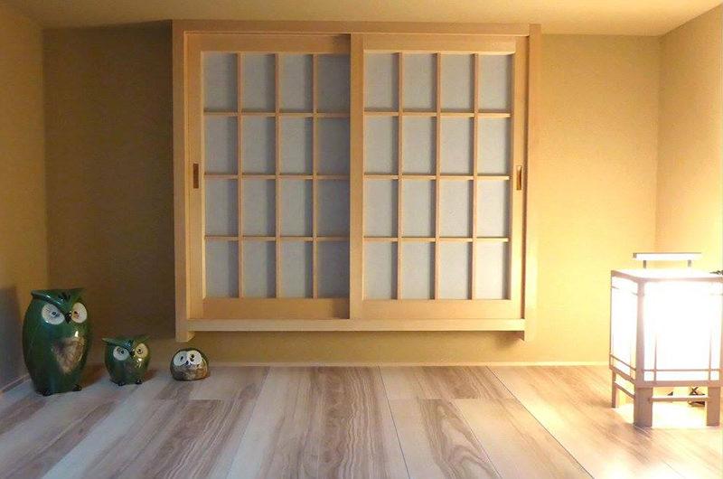 The Owl House Show Pieces near Window   Lower Hirafu