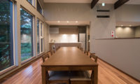 The Trees Chalets Dining Area with Outdoor View | West Hirafu