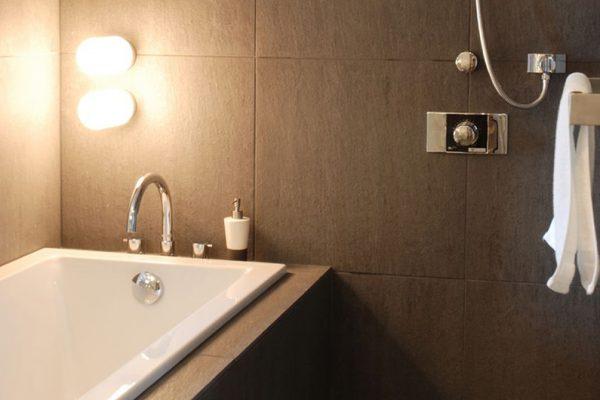 J-Sekka Suites Bathtub View | Middle Hirafu