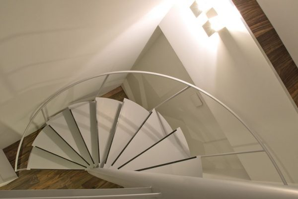J-Sekka Suites Up Stairs | Middle Hirafu