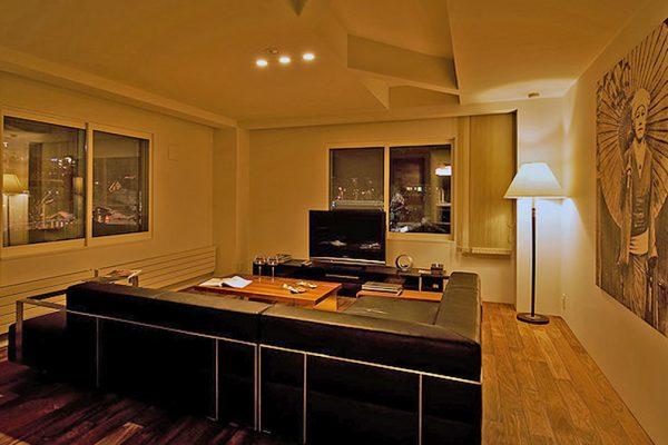 J-Sekka Suites TV Room | Middle Hirafu
