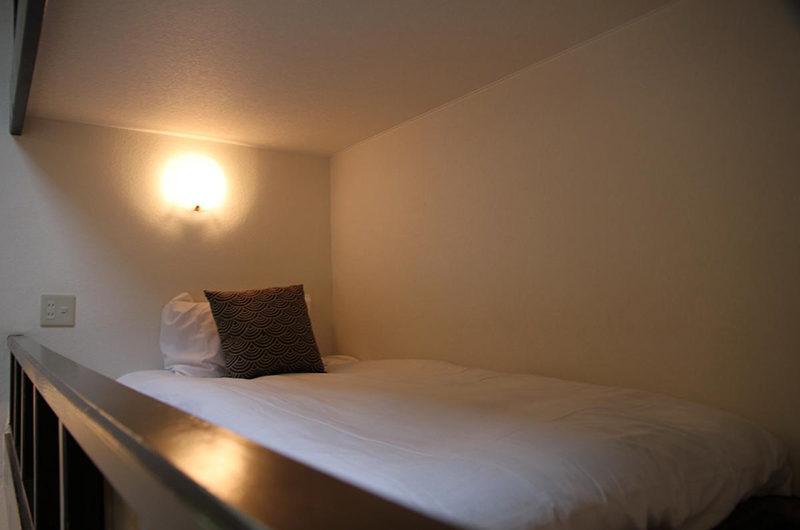 Popcorn Lodge Bed | East Hirafu