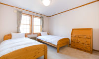 Heritage Twin Bedroom with Window | East Hirafu