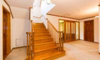 Heritage Up Stairs   East Hirafu