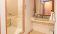 Villa Rusutsu Bathroom with Bathtub | Rusutsu