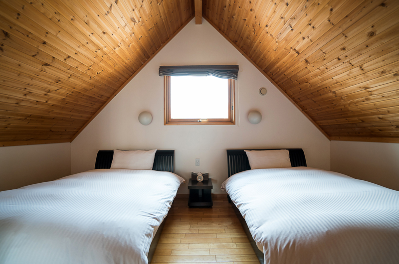 Bliss Cottage Sakura Twin Bedroom with Wooden Floor | East Hirafu