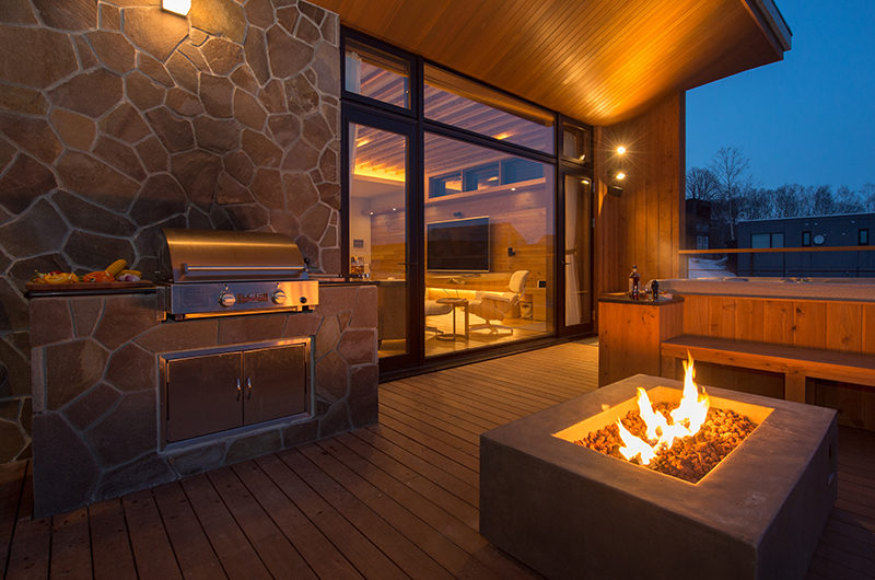 Hakuchozan Outdoor Barbeque with Fireplace | Lower Hirafu