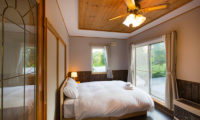 Swing Bridge House Bedroom with Outdoor View | Higashiyama